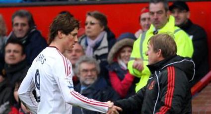 """Dalglish: """"Todos temen a Torres cuando salta al césped"""""""