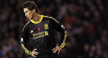 Un golazo de Torres no basta para disipar las tinieblas del Liverpool (2-1)