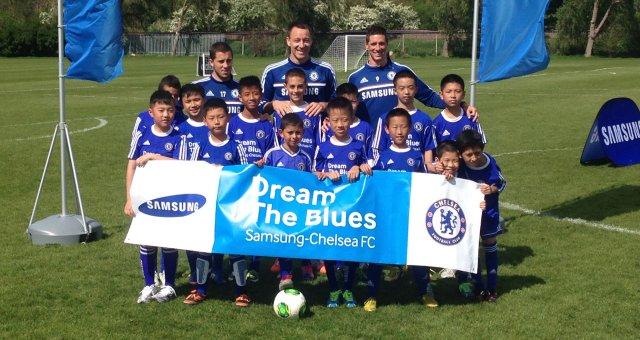 Torres abre las puertas de Cobham a los niños del programa 'Dream the Blues'
