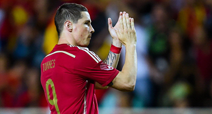 Torres encarrila la victoria en el primer ensayo de la Selección (2-0)