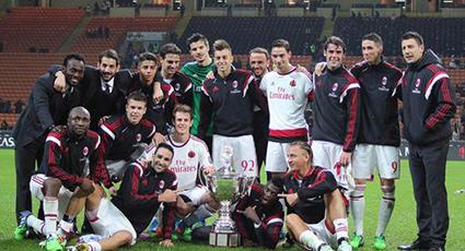 El Trofeo Luigi Berlusconi se queda en casa a costa del campeón de la Libertadores (2-0)