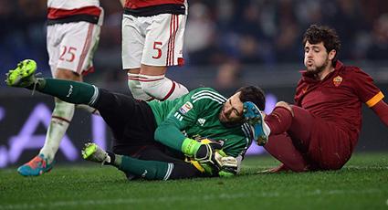 Reparto de puntos para Milan y Roma en el intenso pulso del Olímpico (0-0)