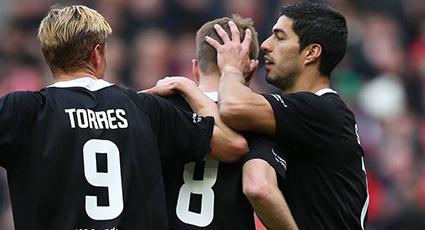Tarde de ovaciones y recuerdos para Torres y Gerrard en la fiesta solidaria de Anfield (2-2)