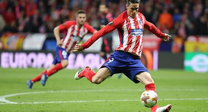 El Atlético desactiva a los 'gunners' y luchará contra el Marsella por la corona (1-0)