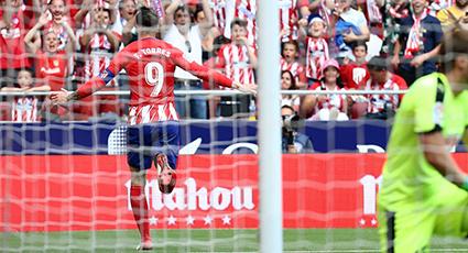 Fernando Torres se despide con honores: sensacional doblete frente al Eibar (2-2)